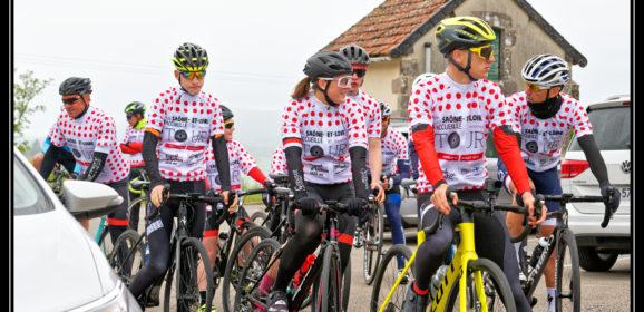 Creusot Cyclisme avec le département et Bernard Thévenet pour fêter le passage du tour de France à Uchon.